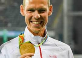 Matej Tóth so zlatou olympijskou medailou